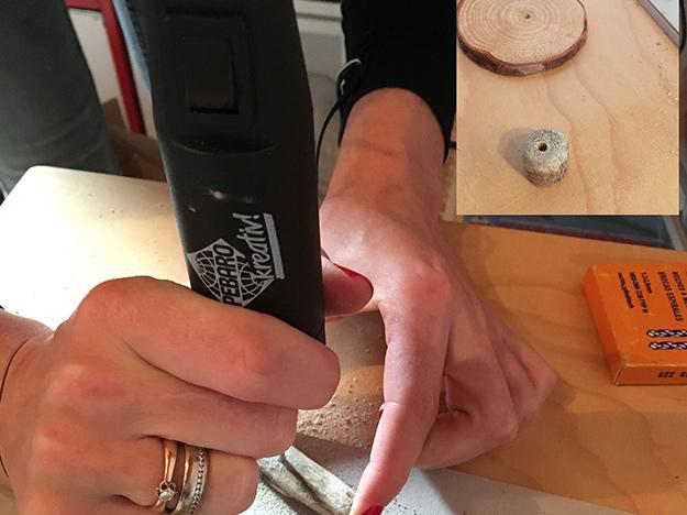 Weihnachtsbäumchen basteln - Löcher in Holzstäbe bohren mit dem Bastel-Drill von Pebaro