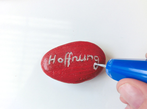 DIY Gift Ideas by Pebaro - Engraving Stones